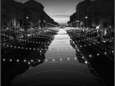 Navigazione dei Navigli di Milano a Natale