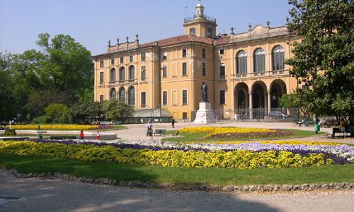 Quel Museo del Cinema Gianni Comencini a Palazzo Dugnani. Un segreto di bellezza ai Giardini Indro Montanelli