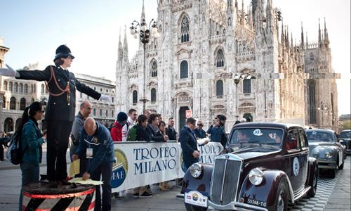 """Auto & vintage da Trofeo Milano. La storia è """"rombante"""""""