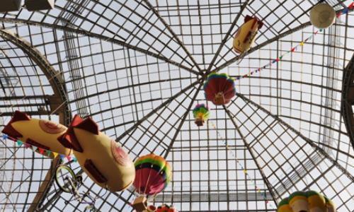 Scatti per Bene e Love Therapy: una bici, un'asta e 80 foto per i bimbi di Milano