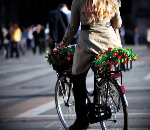 Natale a pedali: Milano è (davvero) bella in bici