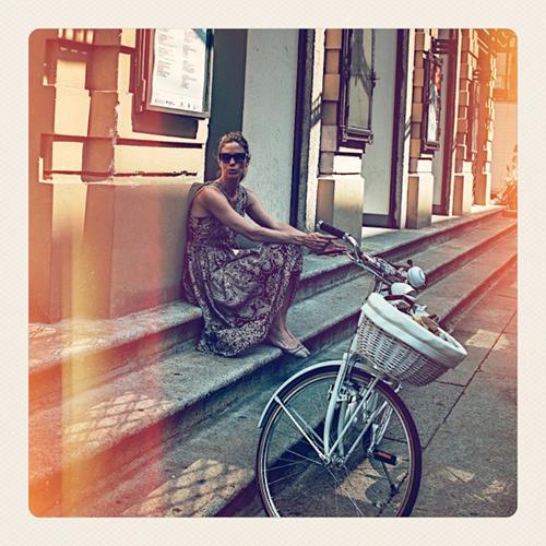 Lei pedala, da Moreschi. Intervista a Filippa Lagerback