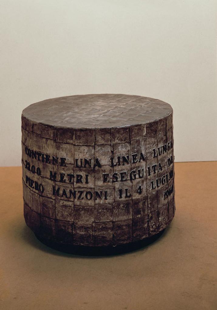 ID 64. Linea m 7200, 1960 inchiostro su carta, cilindro di zinco ricoperto da fogli di piombo; 96x66 cm Heart, Herning Museum of Contemporary Art