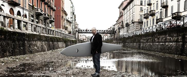 Con i piedi dentro al naviglio surfando verso il for Surfer s den milano