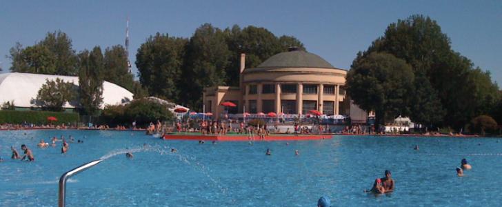 Spiaggia, Campi da Beach Volley… Siamo al mare? No, a Milano, succede anche questo con Expo 2015! Ecco Expo in Relax, il lido di Piazzale Lotto, scopriamolo!