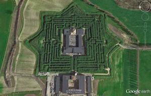 Complesso del Labirinto di Masone visto da Google Earth