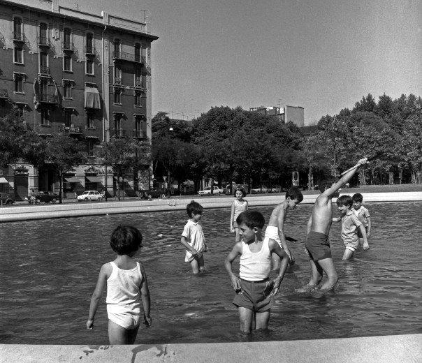 Ferragosto in bianco e nero:  L'acqua -  milano.repubblica.it