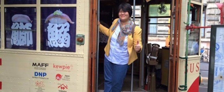 Aperitivo gratis a Milano? Fino al 21 settembre 2015 basta prendere il Sushi Tram, ecco come prenotarlo!
