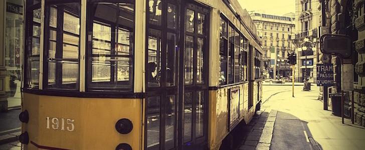 Cose da fare a Milano: visitare la città con uno speciale tram anni '30 in hop on/hop off, ecco cos'è, come funziona e perché conviene (anche ai milanesi)!