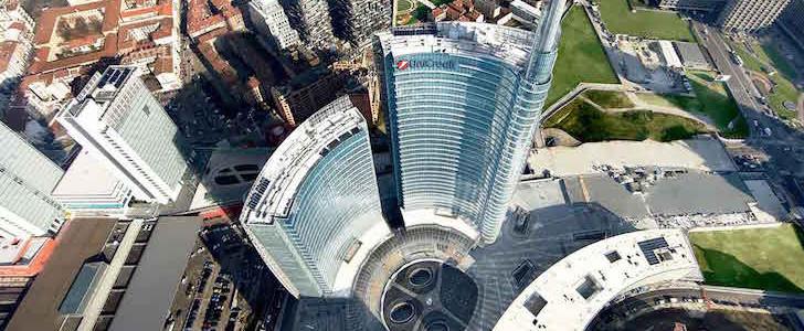 Lanci nel vuoto su Piazza Gae Aulenti? Gratuiti fino al 13 dicembre 2015 e si vede la nuova Milano dall'alto! Ecco come iscriversi!