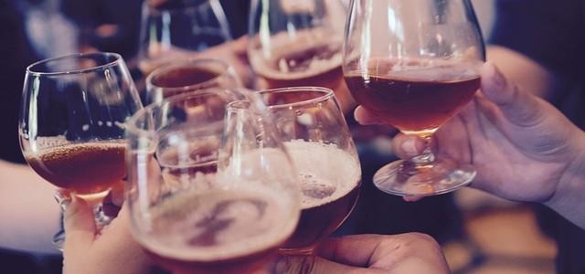 Wine-sharing a Milano, dopo le auto e la postazione di lavoro anche gli aperitivi del lunedì sono in condivisione: vini D.O.C. e appuntamenti fino ad aprile 2016