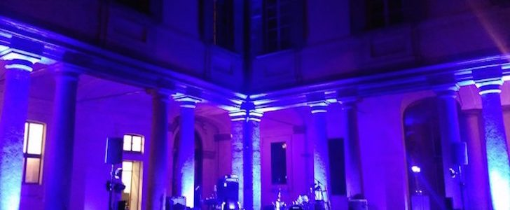 Damo Suzuki sul palco di Palazzo Litta: musica nel chiostro – la recensione